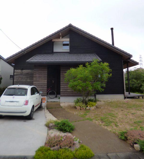 木の家の外観 塗装杉羽目板の経年変化